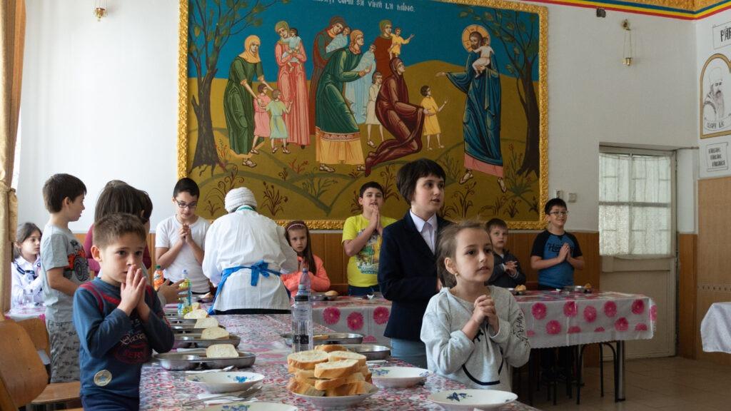 """Creștinii din biserica mea – """"Puzzle -Ordonare pe grupe""""- Autor: Prof. Geanina BOATĂ, Școala Gimnazială Unirea, județul Dolj, 2020"""